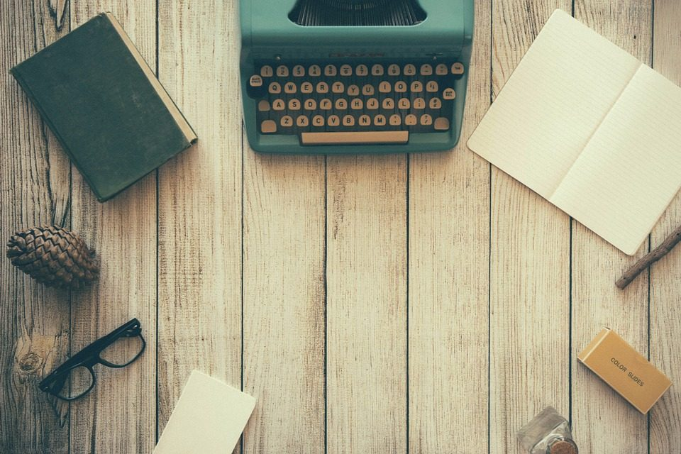 What is Copywriting: The Best Copywriting Books & Courses To Get Started!